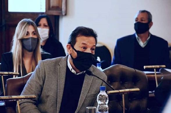 Concejal-Sergio-Elizar-Recinto-HCD-Paran%C3%A1